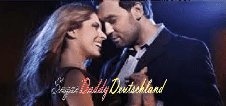 Glückliches tanzendes Paar