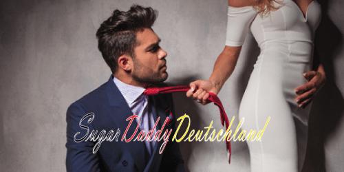 Frau, die eine Krawatte zum Mann nimmt
